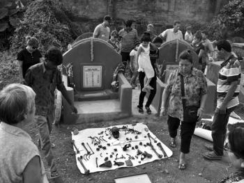 加尔各答华人的捡骨葬09