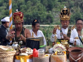 中爪哇西吉当火山祭04