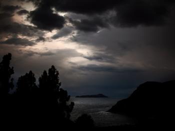 的的喀喀湖吓退冰雹的维兰察仪式