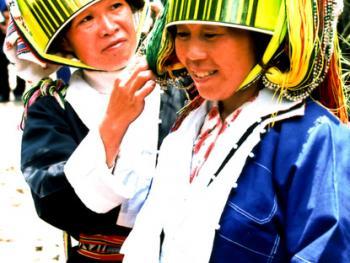 贺州土瑶服饰09