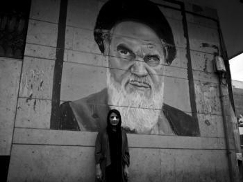 伊朗做整形手术的年轻人14