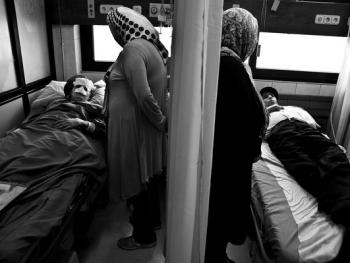 伊朗做整形手术的年轻人05