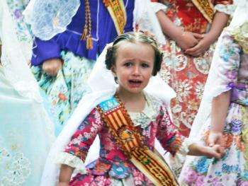 巴伦西亚法雅节游行者的服饰10