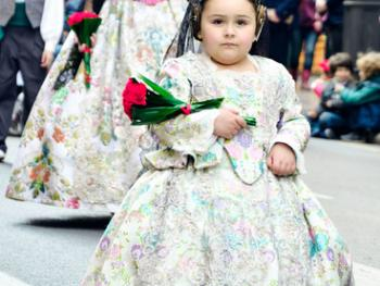 巴伦西亚法雅节游行者的服饰04