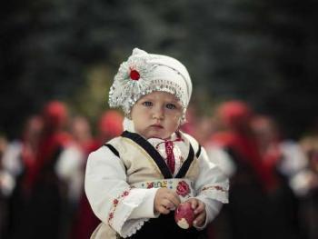 保加利亚传统服饰4