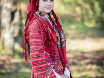 保加利亚传统服饰6