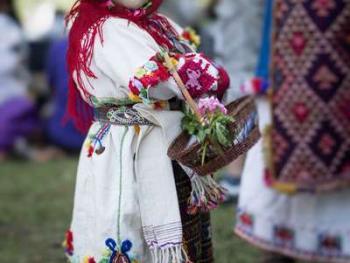 保加利亚传统服饰7