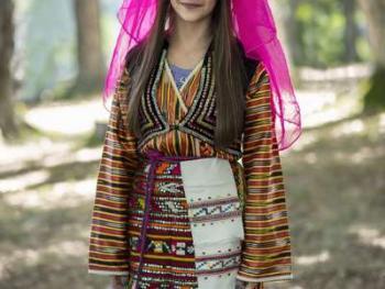 保加利亚传统服饰8