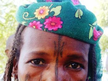 颇尔妇女的纹面9