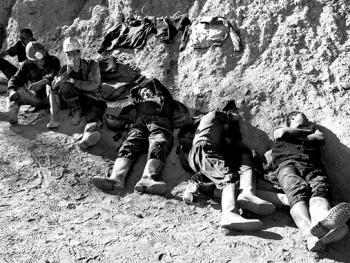 吉尔吉斯斯坦非法煤矿中的矿工10
