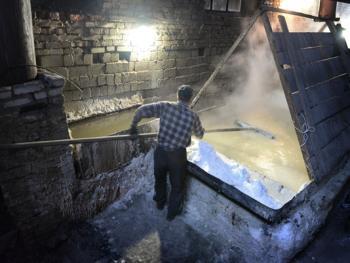 乌克兰东部的井盐生产02