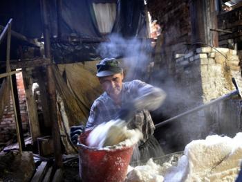 乌克兰东部的井盐生产05