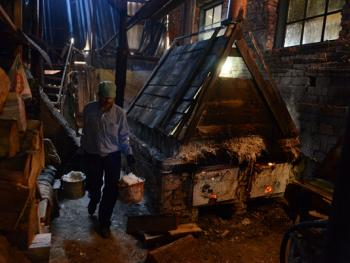 乌克兰东部的井盐生产06