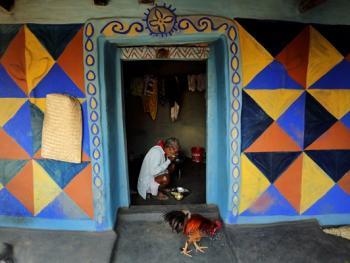 纳亚村的外墙绘画01