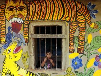 纳亚村的外墙绘画04
