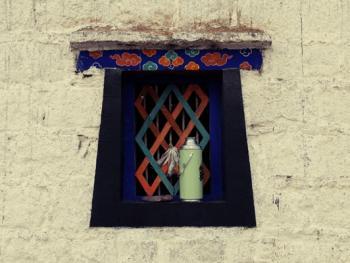 阿坝寺庙的窗户10