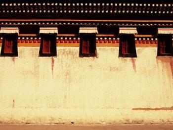 阿坝寺庙的窗户01