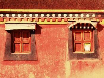阿坝寺庙的窗户05