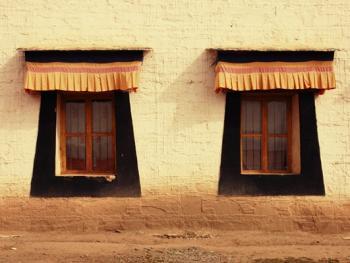 阿坝寺庙的窗户07