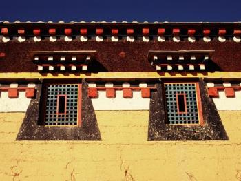 阿坝寺庙的窗户