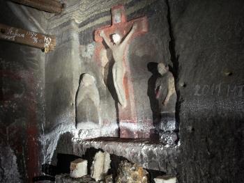 维利奇卡盐矿中的宗教设施06