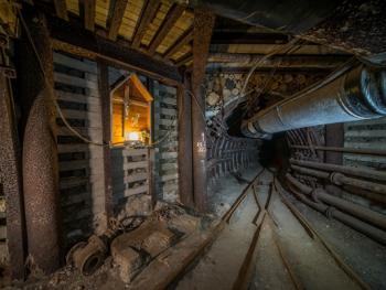 维利奇卡盐矿中的宗教设施09