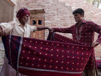 巴基斯坦阿吉拉克披肩制作09