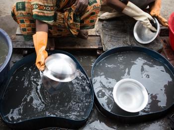 孟加拉铝制餐盘作坊10