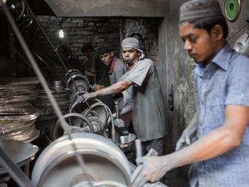 孟加拉铝制餐盘作坊08