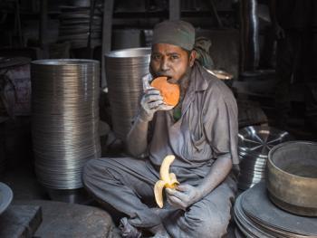 孟加拉铝制餐盘作坊09