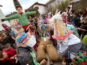 兰斯小镇上的狂欢节11