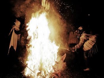 斯基尼亚诺镇的狂欢节14