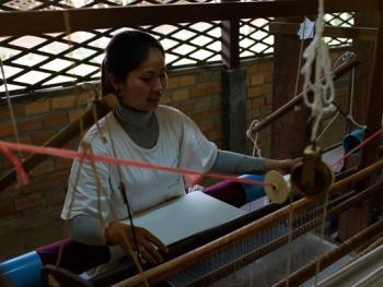 柬埔寨丝绸制作10