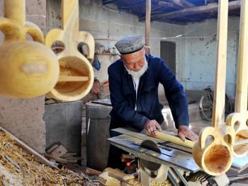 维吾尔族乐器制作技艺11