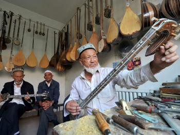 维吾尔族乐器制作技艺13
