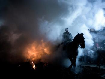 圣安东尼日策马跳火仪式06