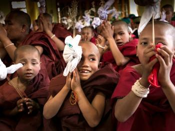 缅甸巴奥男孩入寺仪式仪式11