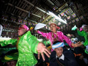 缅甸巴奥男孩入寺仪式仪式06