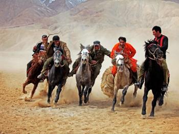塔什库尔干叼羊05