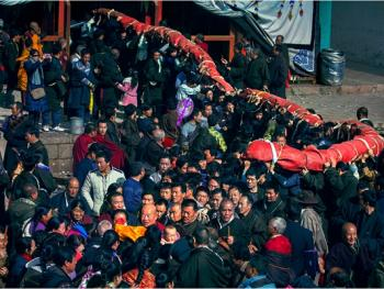 甘南藏族晒大佛10