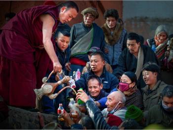 甘南藏族晒大佛05