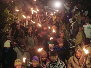 布罗莫火山的献祭仪式
