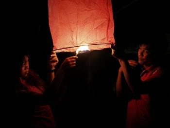 老挝水灯节13