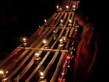 老挝水灯节04