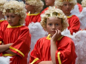 比利时各地的宗教游行