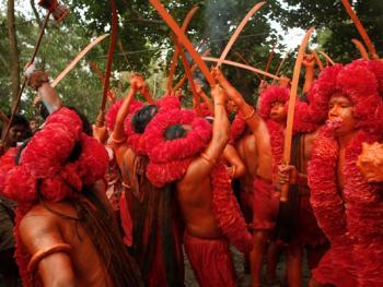 蒙希甘杰印度教徒迎新年的拉卡什07