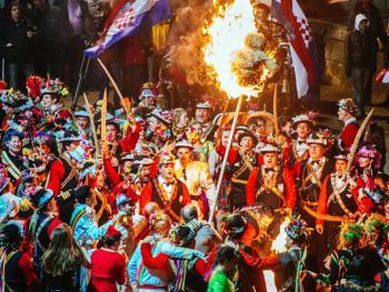 拉斯托沃岛波克拉德狂欢节14